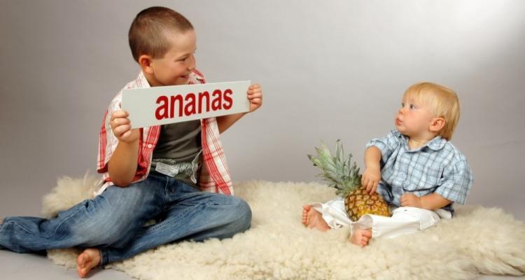 Jak nauczyć małe dziecko czytać metodą Domana.