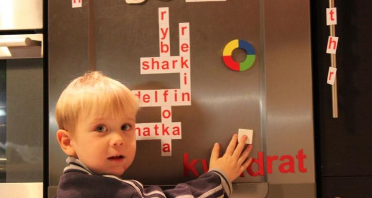 magnetyczne alfabety, magnetyczne litery, zestaw do nauki czytania